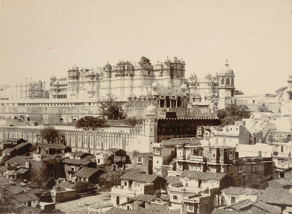 History of Udaipur - About Udaipur, Rajasthan (Old Pic of City Palace)