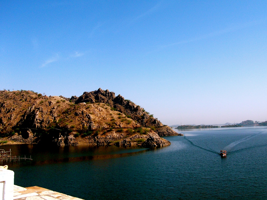 Jaisamand Lake Udaipur (Dhebar Lake)