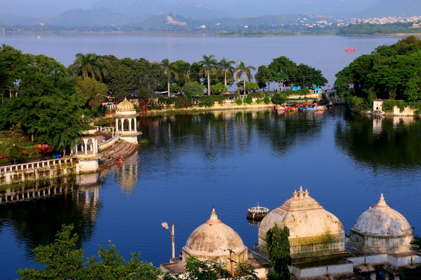 Lakes in udaipur my udaipur city for Best vacation places in february