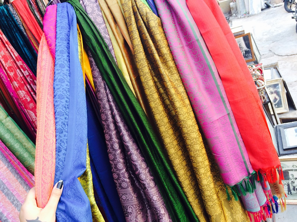Things to Buy in Udaipur (Shawls and Stoles)