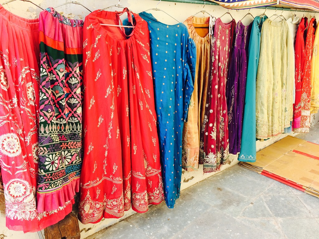 Things to Buy in Udaipur (Traditional Rajasthani Attires 1)