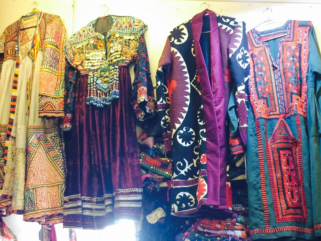 Things to Buy in Udaipur (Traditional Rajasthani Attires 2)