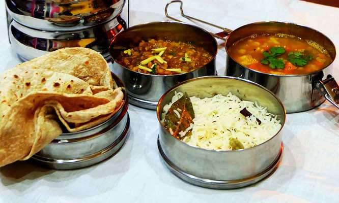 https://www.colive.in/blog/index.php/2018/08/28/the-10-top-tiffin-service-in-bangalore/